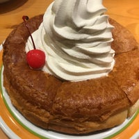 Photo taken at Komeda's Coffee by Pahn💛 . on 2/1/2018