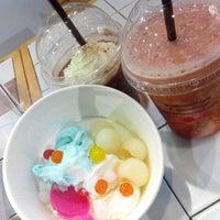 Photo taken at Smooch Unlimited Frozen Yogurt by izor on 4/18/2014
