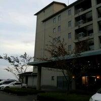 Photo taken at Hotel Mikawa Kaiyoukaku by Kawa T. on 11/10/2012
