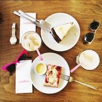 4/28/2015 tarihinde Cansu Y.ziyaretçi tarafından Grandma Artisan Bakery Cafe'de çekilen fotoğraf