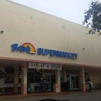 Photo taken at Bravo Supermarkets by Gyl D. on 10/22/2014
