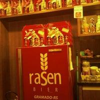 Foto tirada no(a) Rasen Bier por Leandro C. em 2/21/2013