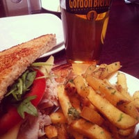 Photo taken at Gordon Biersch Brewery Restaurant by Karla R. on 9/29/2012