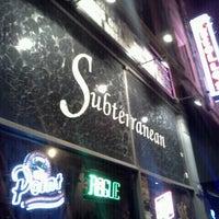 10/7/2012 tarihinde Samantha N.ziyaretçi tarafından Subterranean'de çekilen fotoğraf