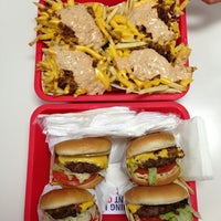 Photo taken at In-N-Out Burger by Eszter T. on 3/31/2013