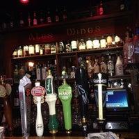Foto tirada no(a) The Chieftain Irish Pub & Restaurant por Alex S. em 7/20/2013