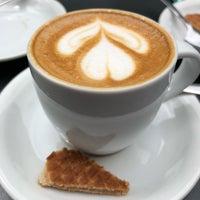 รูปภาพถ่ายที่ Caffé Medici โดย A B D U L L A H 😎 เมื่อ 4/1/2018