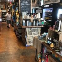 Foto tirada no(a) Union Kitchen Grocery por Keegan em 7/7/2017