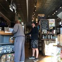 Foto tirada no(a) Union Kitchen Grocery por Keegan em 2/25/2017