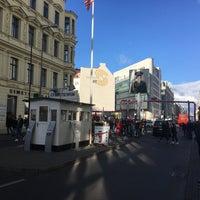 Das Foto wurde bei Mauer Museum - Haus am Checkpoint Charlie von Tamara S. am 10/30/2017 aufgenommen
