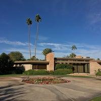 Снимок сделан в Twin Palms, Frank Sinatra House пользователем Zack K. 11/24/2017