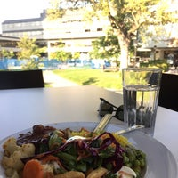 Photo taken at Food Court (University Centre)   Foire Alimentaire (Centre Universitaire) - uOttawa by Obai M. on 9/16/2017