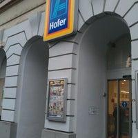 Снимок сделан в Hofer пользователем Flor F. 10/27/2012