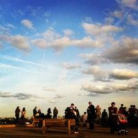 Foto tomada en Primrose Hill por Masha K. el 9/22/2012