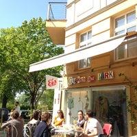 Das Foto wurde bei Glücklich am Park von Florian R. am 5/5/2013 aufgenommen