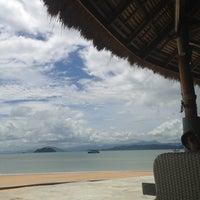 Photo taken at The Blue Sky Resort Koh Payam by MON.chayanatt on 5/22/2013