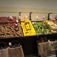 Photo prise au Mariano's Fresh Market par subtitles f. le6/4/2014