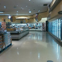 Photo taken at Mariano's Fresh Market by subtitles f. on 8/10/2016