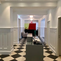 Das Foto wurde bei Hotel Caroline von ☀️ Dagger am 9/23/2018 aufgenommen