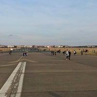 Foto tirada no(a) Tempelhofer Feld por ☀️ Dagger em 3/11/2018