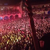 Das Foto wurde bei Aragon Ballroom von Jeannine M. am 12/2/2012 aufgenommen