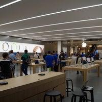Photo taken at Apple Morumbi by Felipe C. on 4/16/2015