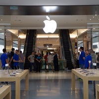 Photo taken at Apple Morumbi by Felipe C. on 4/16/2015