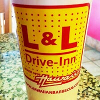 Photo taken at L&L Hawaiian Barbecue by Les W. on 5/1/2013