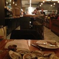 Photo prise au La Salle à Manger par Dean G. le12/20/2012