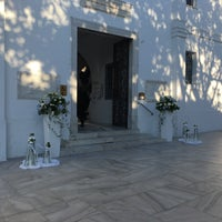 Photo taken at Ιερος Ναος Παναγιας Εκατοπυλιανη by Phaedra T. on 5/12/2018