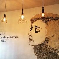 12/4/2015 tarihinde Caglayan B.ziyaretçi tarafından Montag Coffee Roasters'de çekilen fotoğraf