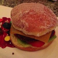Photo taken at Burger Bar by Aprendiz d. on 6/19/2013