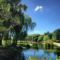 Photo taken at Constitution Gardens by Aprendiz d. on 9/16/2013
