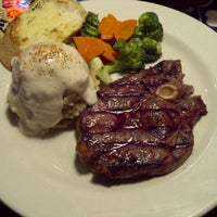 Photo taken at Chili's Grill & Bar Restaurant by Luna T. on 2/18/2013