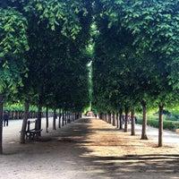 Foto tirada no(a) Jardin du Palais Royal por Marie A. em 5/17/2013