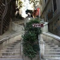 10/27/2013 tarihinde Meltem N.ziyaretçi tarafından Kamondo Merdivenleri'de çekilen fotoğraf
