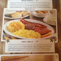 Photo taken at Cracker Barrel Old Country Store by NaoneCarter on 7/14/2013