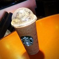 Photo taken at Starbucks by Oscar M. on 8/15/2014