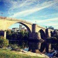 Foto tirada no(a) Ponte Romana de Ourense por Kazuo N. em 10/15/2015