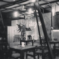 Photo taken at Hang Out by Plawhan P. on 5/6/2014