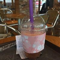 Photo taken at The Coffee Bean & Tea Leaf by ssoom on 3/31/2016