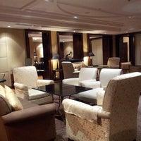 Foto tirada no(a) Le Royal Club Lounge por ED em 11/22/2012