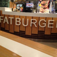 Photo taken at Fatburger by Ferry S. on 5/29/2016