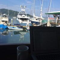 Снимок сделан в Banana Bay Marina (Bahía Banano, S.A.) пользователем Kathryn 3/30/2017