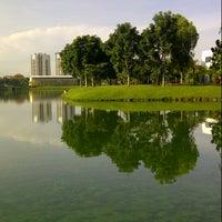 Photo taken at Taman Tasik Ampang Hilir by nurDIANAmp on 2/16/2013