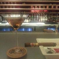 Foto scattata a Civil Cigar Lounge da Eric K. il 3/14/2013