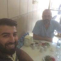 Photo taken at Ödemiş Köftecisi Ersin'in Yeri by Cüneyt E. on 9/5/2016