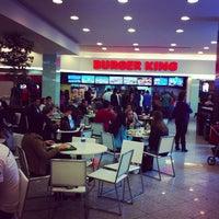 Foto tirada no(a) Burger King por Cid T. em 9/29/2012