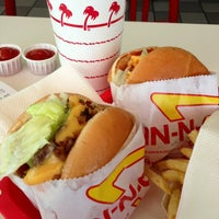 Photo taken at In-N-Out Burger by Harvey C. on 5/21/2013