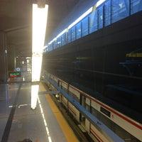 Foto tomada en Cercanías Aeropuerto T4 por Alejandro M. el 4/6/2013